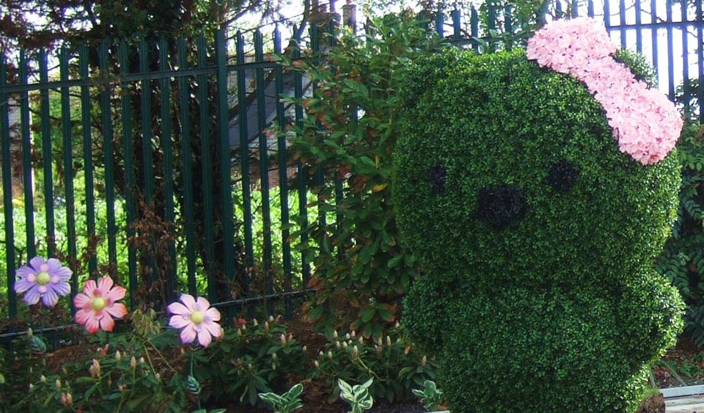 hello kitty topiary for theme park